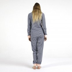 Pijama afelpado salmon bordado, vista posterior